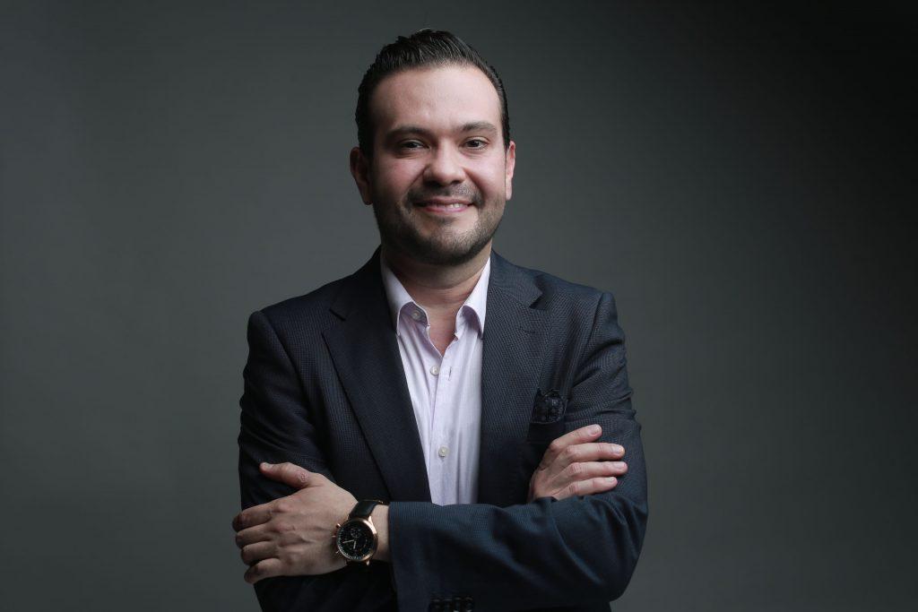 Dr. Juan Acuña - Urólogo